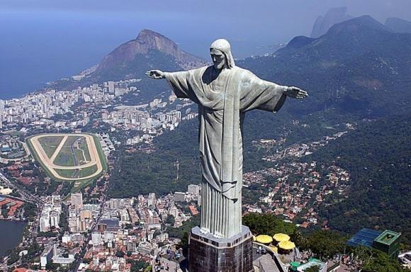 Patung Yesus Kristus