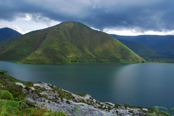 Danau Toba dulunya adalah sebuah gunung berapi
