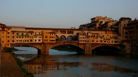 Ponte Vecchio (Italia): Terlama dan Paling Terkenal dari jenis