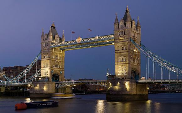 Tower Bridge (Inggris): Paling Terkenal dan Jembatan cantik Victoria