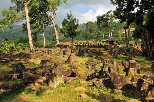 Misteri Gunung Padang yang disebut-sebut sebagai gunung purba