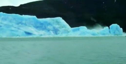 potongan gunung es terbalik