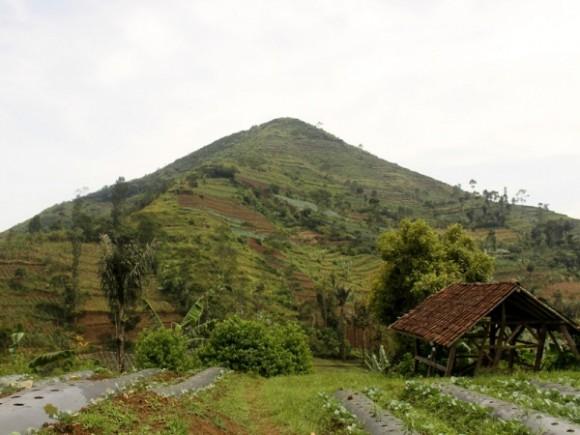 """piramida"" Gunung Padang"