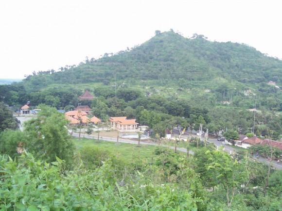 Bukit Klothok di Kediri, gundukan Candi Ijo berbah Sleman
