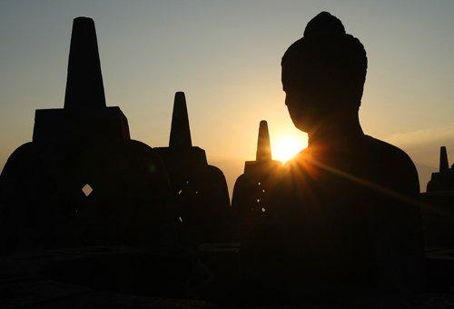 Candi Borobudur merupakan candi Budha