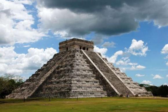 Piuramida Kukulcan di meksiko
