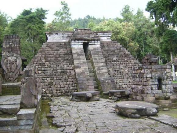 Candi Sukuh di Jawa Tengah