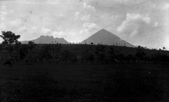 Gunung Inniere di Nusa Tenggara Timur