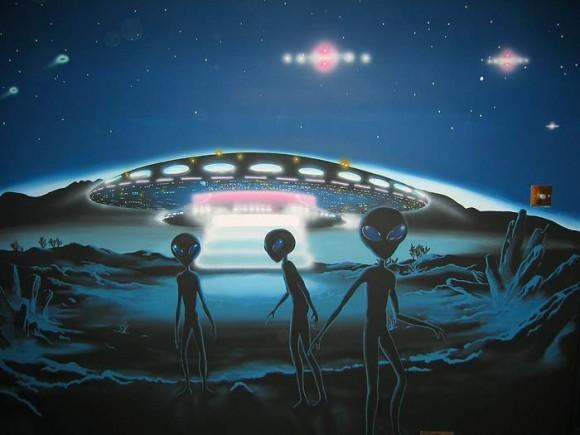 UFO dengan Alien Memusnahkan Dinosaurus