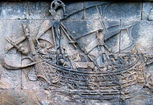 """Relief kapal Sriwijaya, negeri yang ketika itu menguasai lalu lintas pelayaran di """"Laut Selatan""""."""