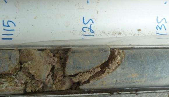 Gambar 4. Contoh sampel inti bor pada kedalaman 11.15 – 11.35 meter
