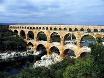Terowongan Air The Pont du Gard