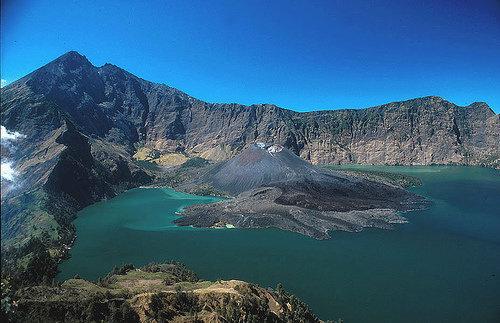 Asal Muasal Keindahan Danau Toba