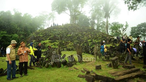 Mendikbud RI Kunjungi Situs Megalitikum Gunung Padang