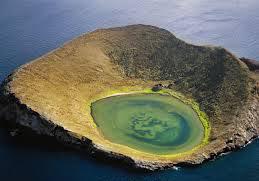 Kawah di Rocas bainbridge, Pulau Galapagos, Ecuador
