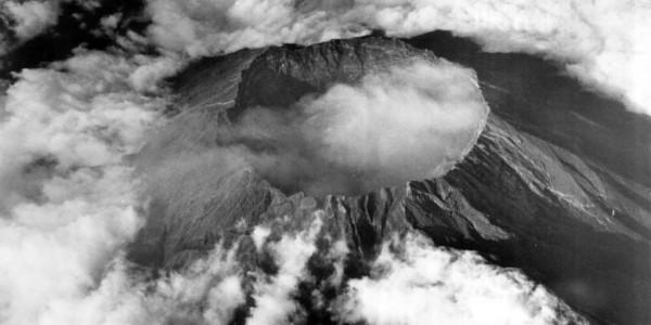 Gambar gunung kelud Tahun 1966