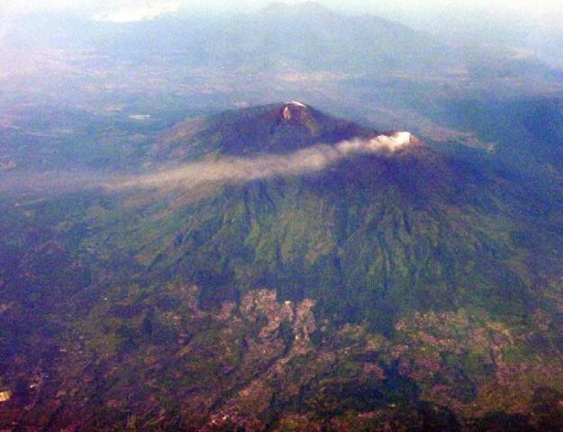 Gunung Kelud Saat Erupsi tahun 2007