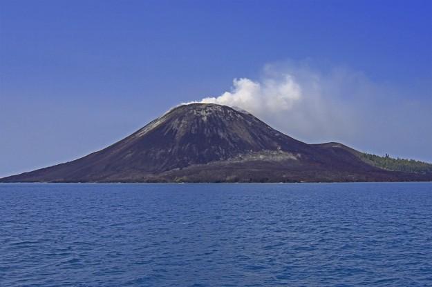 Gunung Krakatau, Indonesia