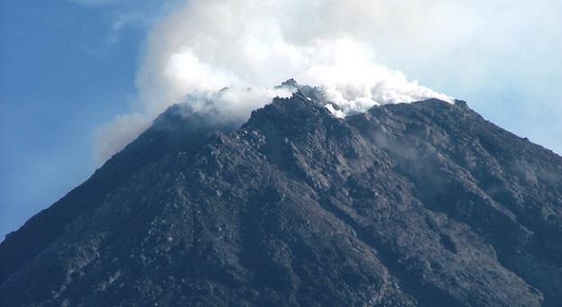 Gunung Marapi Meletus