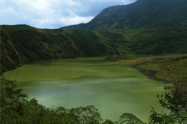 Keindahan kawah gunung Galunggung