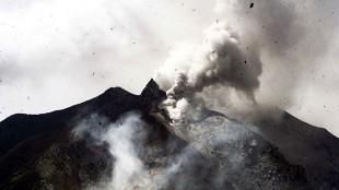 Mengenang Dahsyatnya Letusan Gunung Toba