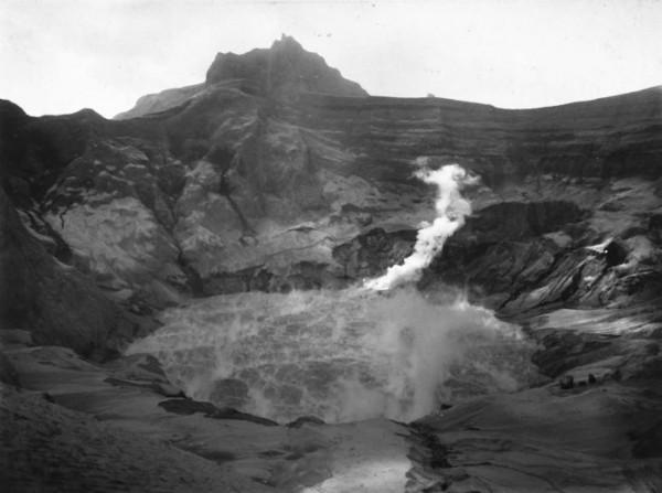 Gunung Kelud tahun 1901