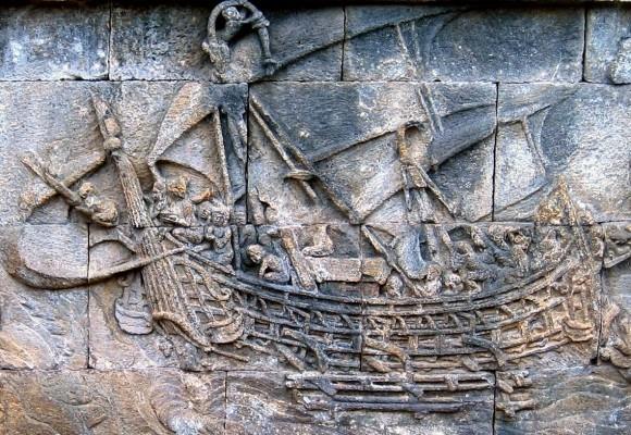 relief perahu yang terpahat di candi Borobudur