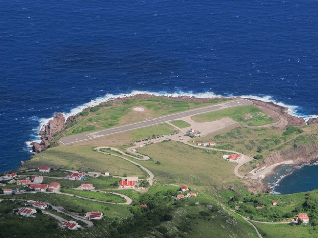 Bandar Udara Juancho E. Yrausquin