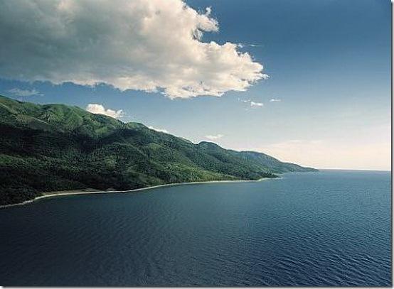Danau Tanganyika ( Burundi,Kongo,Tanzania,Zambia ) Kedalaman 1.470 Meter