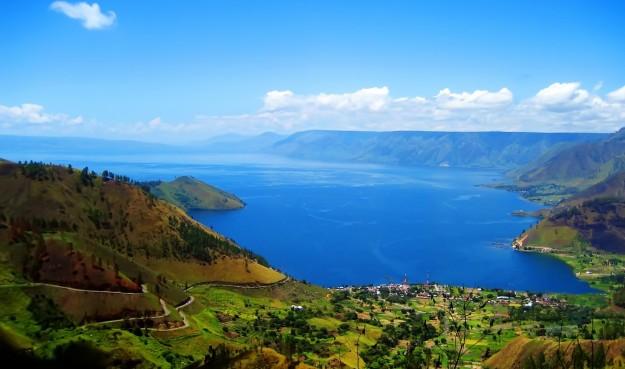 Danau Toba ( Indonesia )