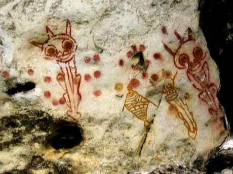"""Lukisan Mirip Makhluk """"Alien"""" di Goa Kontilola Papua"""